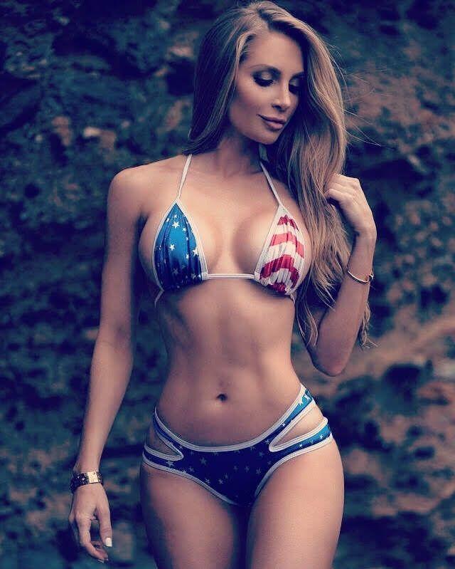 hot-bikini-girl-photo-shows