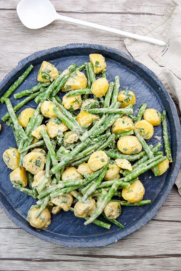 Grüne Bohnen und Kartoffeln mit einem Zitronen-Tahin-Kreuzkümmel-Dressing. Eine Beilage mit Aromen der arabischen Küche. LECKER und gesund!
