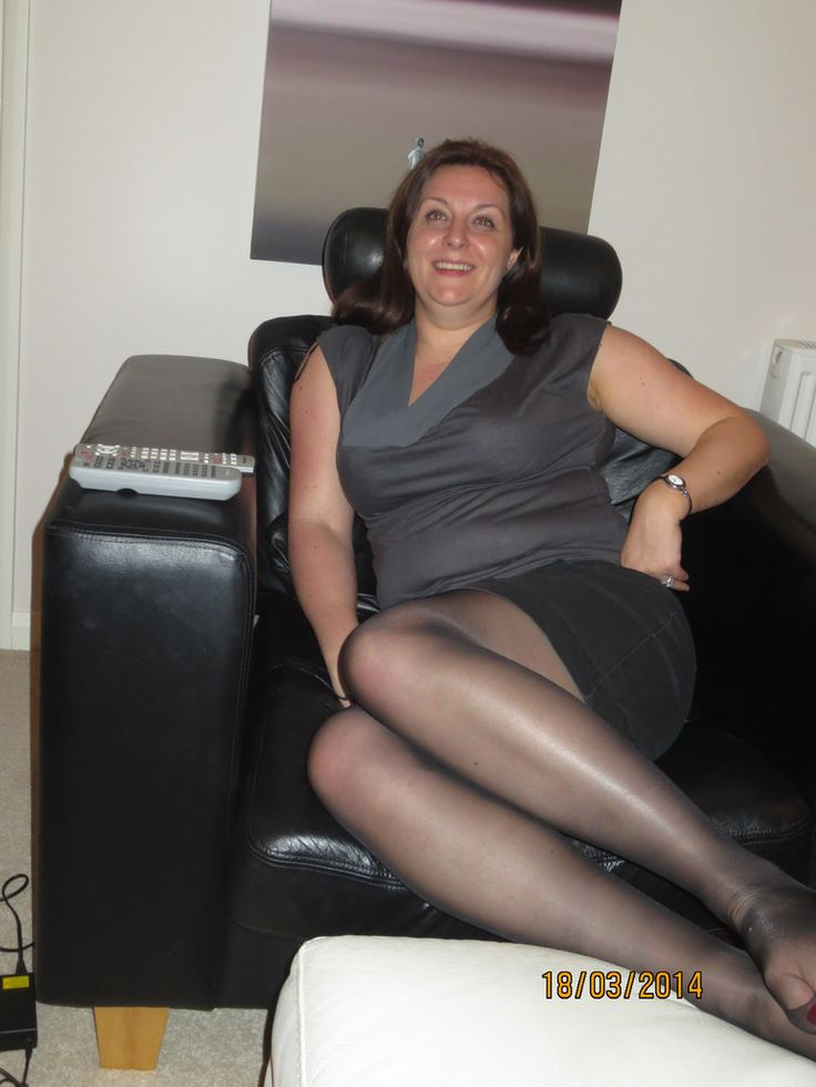 Mature Pantyhose  Amateur  Pinterest  Gold And Woman-9684