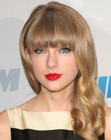 Top 10 Taylor Swift Hairstyles Collection-acelebritynews, Taylor Swift Birth Date, Taylor Swift Birth Place, Taylor Swift Early Life, Taylor Swift Career, Taylor Swift Education, Taylor Swift Wallpapers, Taylor Swift Parents, Taylor Swift Biography, Top 20 Taylor Swift Hairstyles, Top 5 Taylor Swift Hairstyles,