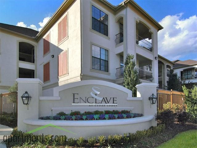 Live the high life at The Enclave at Cedar Lodge Apartments in Baton Rouge.
