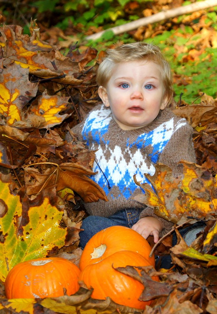 Fynn wearing his sweater that his Great Gramma knit for his Daddy. (Autumn photo shoot)
