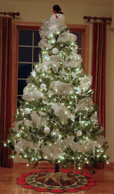 Snowman Christmas Tree - maybe without the snowman on top- so pretty: