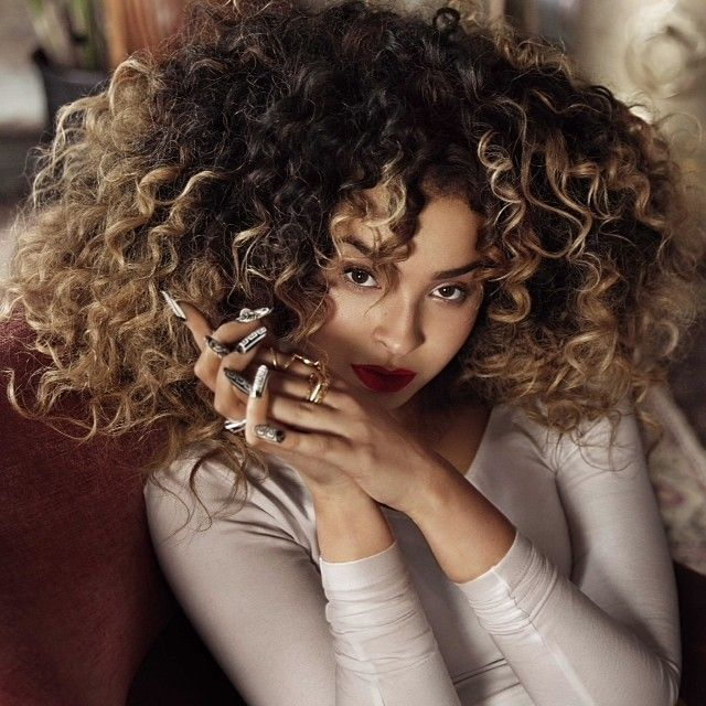 Ella Eyre // not only my favourite singer for the past lil while but I love her hair!!