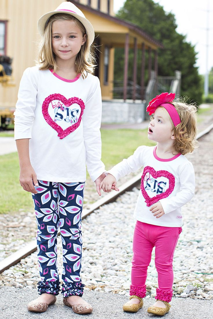 Sibling styles for family photos? LOVE these cute kids looks.