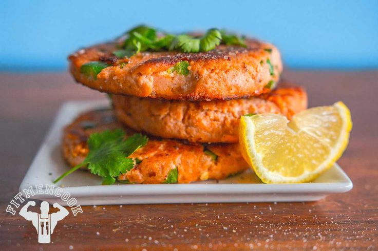 Try this Quick & Easy Heart Healthy Salmon Burgers from the FitMenCook app