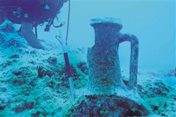 Under a new project, archaeologists are working to document underwater artifacts at Kekova Island off the coast of Antalya.