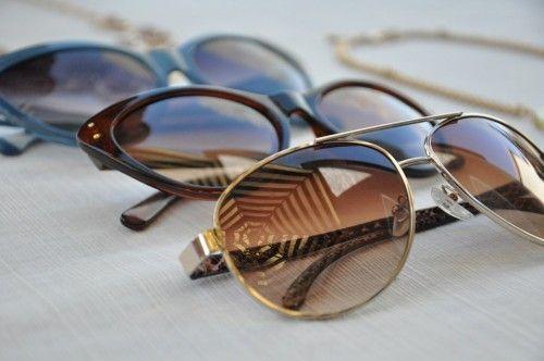 Învață să îți alegi ochelarii de soare în funcție de forma feței