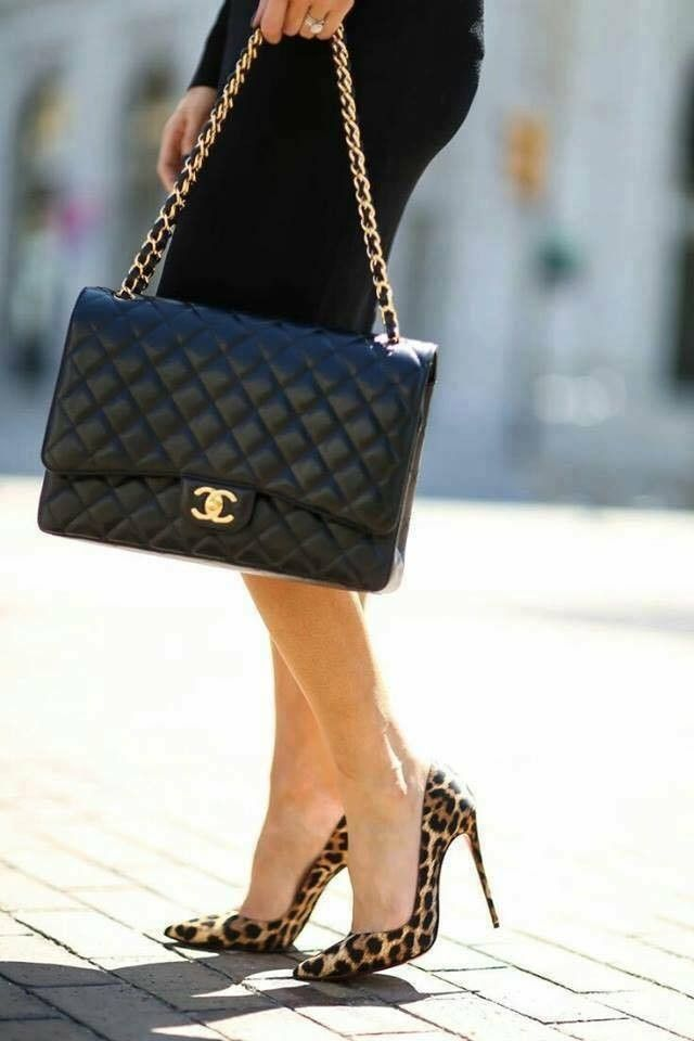 Chanel classic flap bag - Sale! Up to 75% OFF! Shop at Stylizio for women s  and men s designer handbags d0099565fb90a