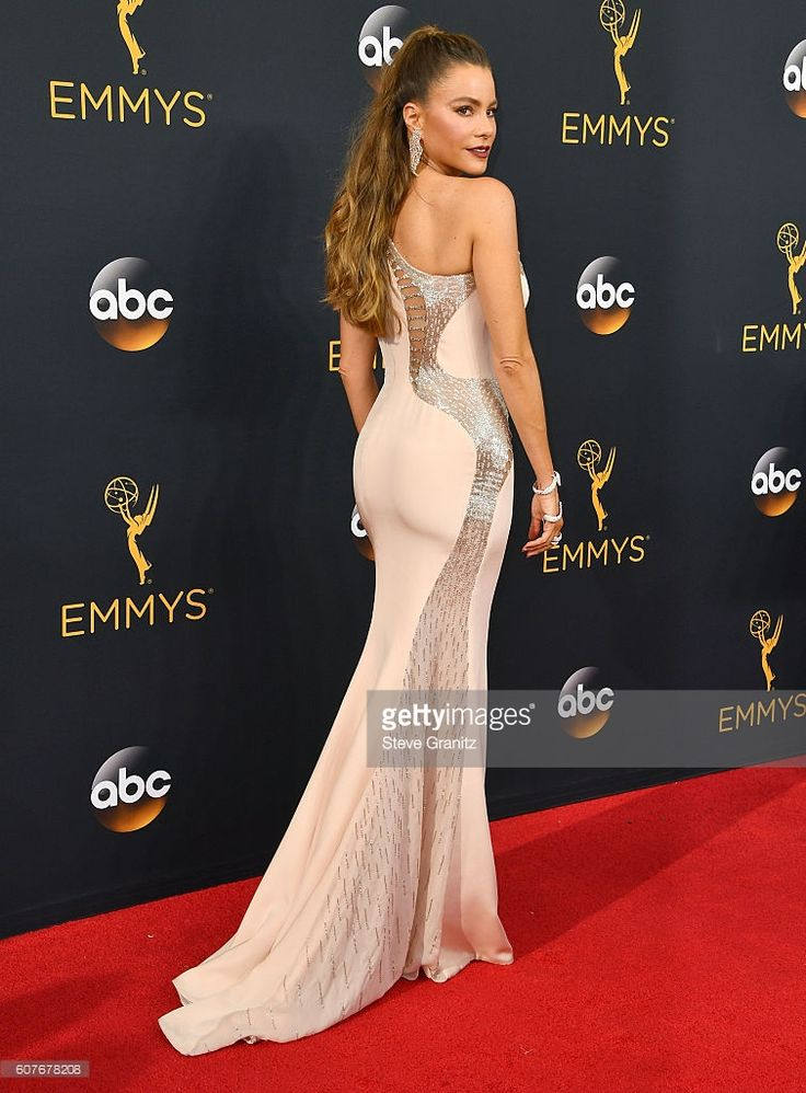 Sofia Vergara arrives at the 68th Annual Primetime Emmy Awards at Microsoft Theater on September 18, 2016 in Los Angeles, California.