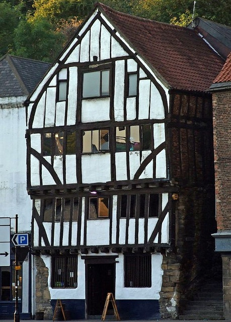 The 14th century timber framed Cooperage, on the quayside Newcastle upon Tyne. Doesn't look like it, but this is a pub. One of the oldest buildings in Newcastle it was a coopers workshop from 1876 to 1974.