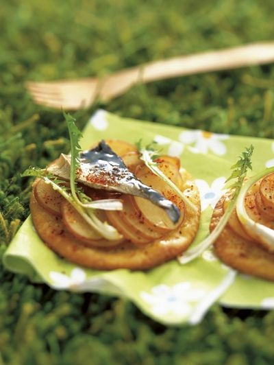 Aardappeltaartjes met makreel en waterkers / Recepten / Eten | ELLE Eten Mobiel