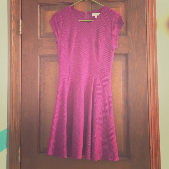 Candie's Mauve Dress Size M Very cute mauve colored dress with textured sewing and a skirt that is great for twirling. Stretches if needed but will fit any chest size great. I no longer wear this as I have so many dresses and I know it will look great on someone else. Candie's Dresses Midi