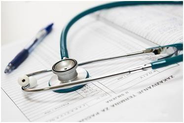 Glosarios, diccionarios, BDT y repertorios médicos: traducción médica