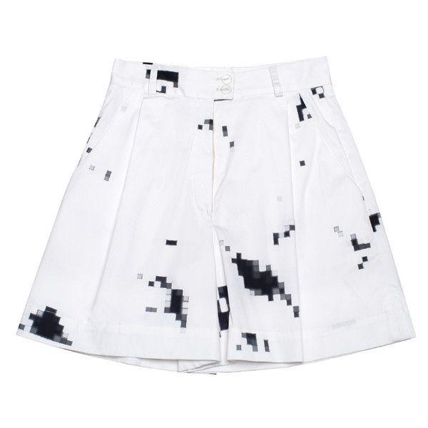 Ksenia Schnaider Digital Printed Bermuda Yacht Shorts (495 AUD) ❤ liked on Polyvore featuring shorts, skirts, bottoms, saias, white multi, patterned shorts, print shorts, white bermuda shorts, relaxed shorts and bermuda shorts