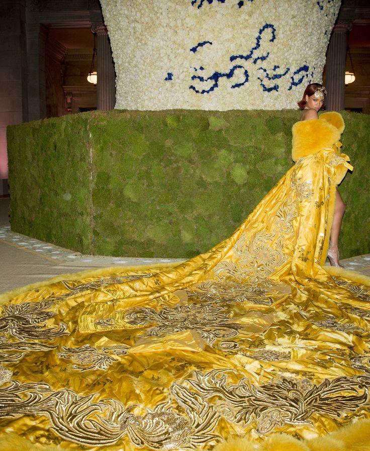 "2015 Met Gala Red Carpet ""China Through the Looking Glass"" - Rihanna in Guo Pei"