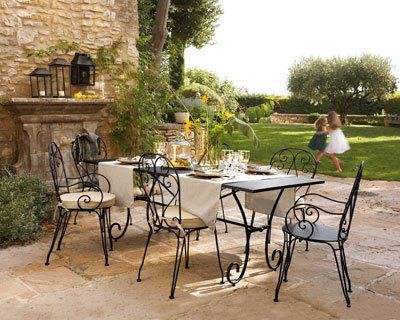 Am nagement salon de jardin fer forge la redoute deco for Salon fer forge catalogue