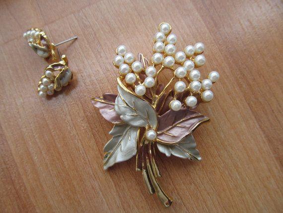 Floral brooch earrings Demi Parure jewelry by lolatrail on Etsy, $34.00