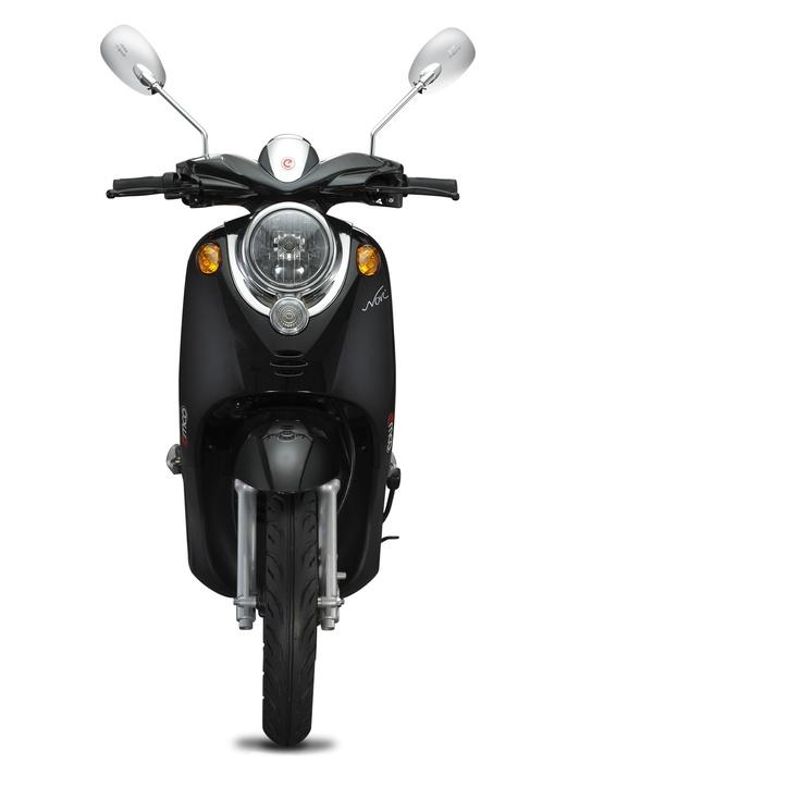 Klassiek, een tikje retro: De emco Novi is een echte stadsscooter