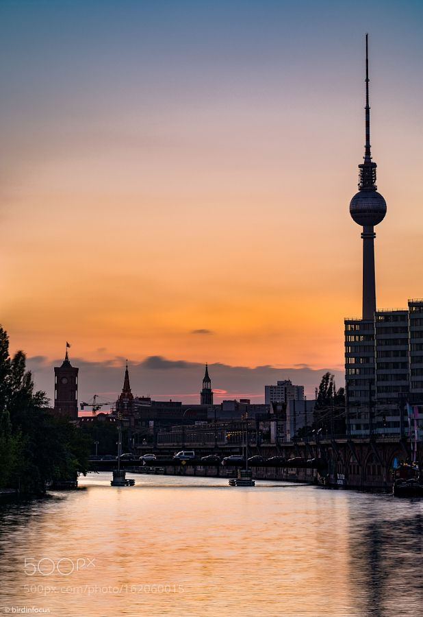 "Berlin-Kitsch-I Go to http://iBoatCity.com and use code PINTEREST for free shipping on your first order! (Lower 48 USA Only). Sign up for our email newsletter to get your free guide: ""Boat Buyer's Guide for Beginners."""