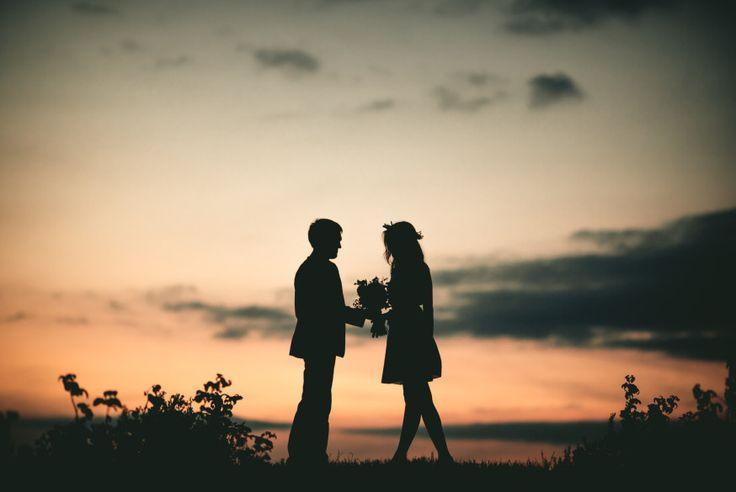 La proliferación del fracaso matrimonial en el mundo católico es muestra de ello: cada vez más matrimonios supuestamente válidos sacramentalmente se revelan como inválidos, por no viables, por razo…