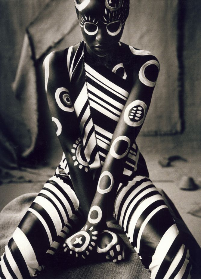 Ruven afanador body paint portrait creative black and white photography pose idea inspiration