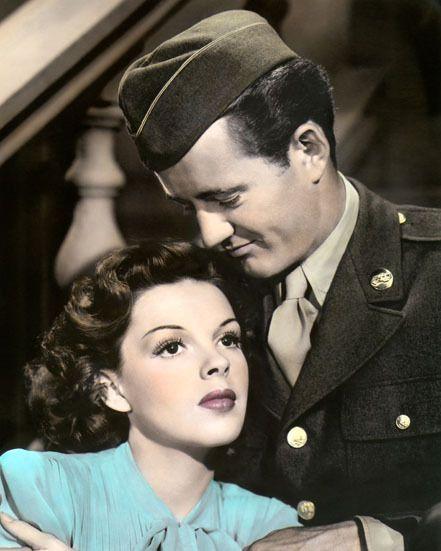Looks hand colored.  Robert Walker Judy Garland The Clock 1945.  Looove this movie.