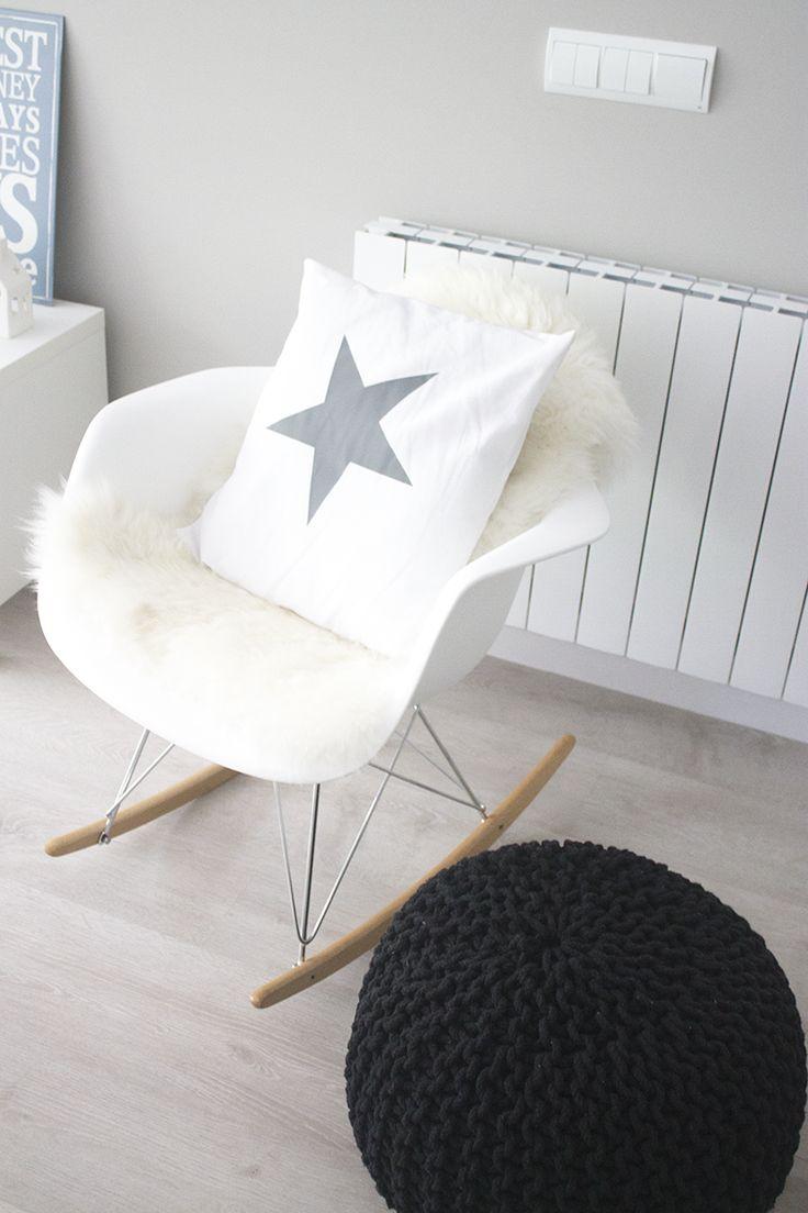 Fauteuil à bascule style scandinave, blanc.