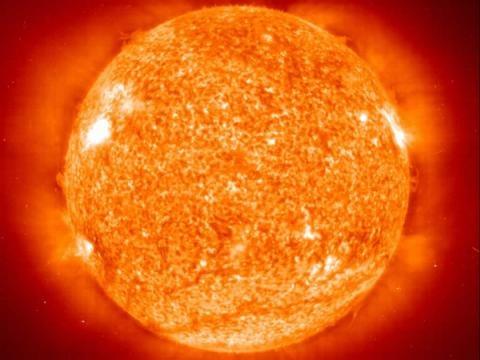 Tres erupciones solares atacan Mercurio