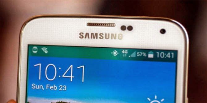 Reasons Why Samsung Galaxy S5 Design Same With Galaxy S4 and Galaxy SIII  With the same design is still used by #Samsung in the new device compared to #Galaxy S4 and Galaxy SIII, making fans feel disappointed because the product on rumors before appears, Samsung Galaxy S5 will have a curved design.