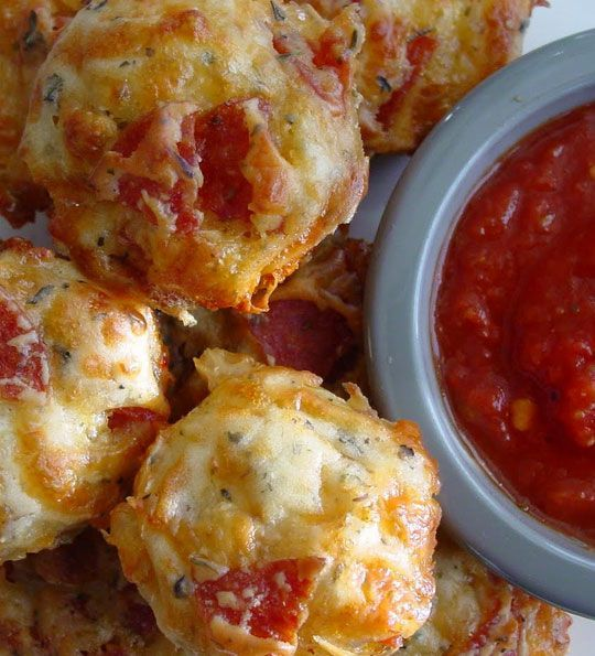 Super Bowl Party Food Ideas - Pepperoni Pizza Puffs - Click Pic for 40 Easy Super Bowl Snacks