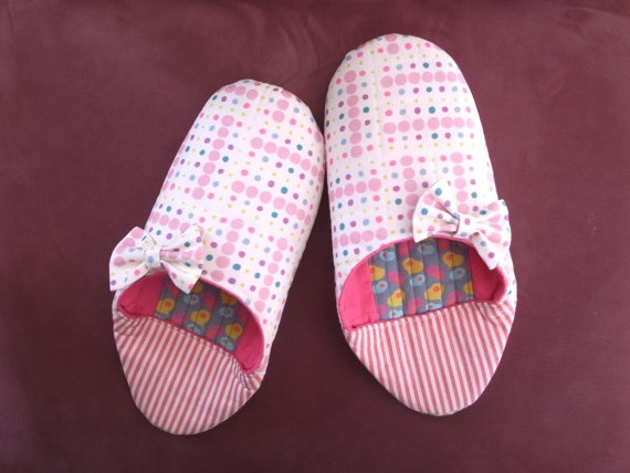 Womens Slippers  Ladies Slippers  House Shoes  by noscootertextile, ¥3000  Approximately $32.45 USD