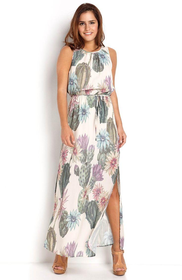 Długa sukienka marki ONLY, modny wzór w kwiaty. 199 zł na http://www.halens.pl/moda-damska-sukienki-dugie-sukienki-26191/sukienka-maxi-569084?imageId=401962&variantId=569084-0484