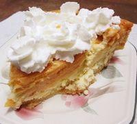 Halloween Recipe: Pumpkin Spice Swirl Kisses Cheesecake Pie #HersheysHalloween