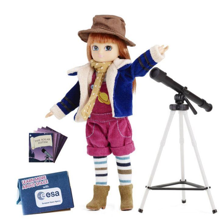 Lottie docka (18 cm)-en docka med verklighetstrogna proportioner och många roliga hobbys!