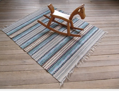 Trasmattor: Handwoven rag rugs. Worth more than gold in our house