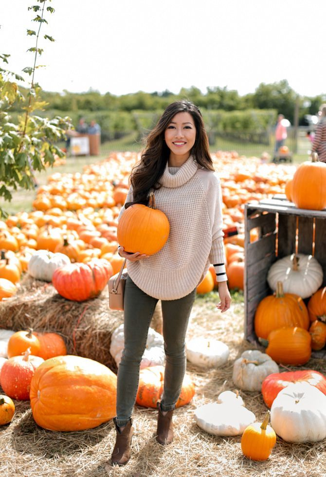 Cute fall outfit ideas // poncho sweater, striped tee, ankle booties (at Boston Tougas Farm pumpkin patch)