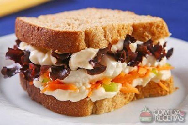 Receita de Sanduíche com cenoura e queijo minas - Comida e Receitas