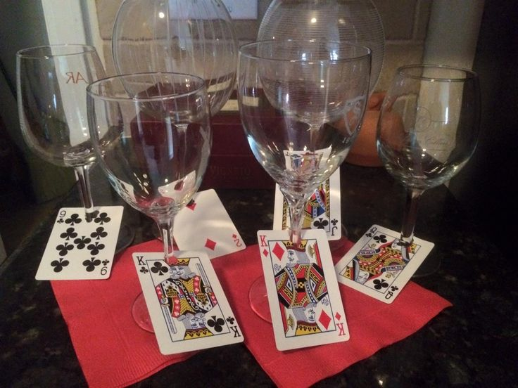 Vegas themed birthday party! Use playing cards as wine glass markers. #vegasparty #birthdayparty