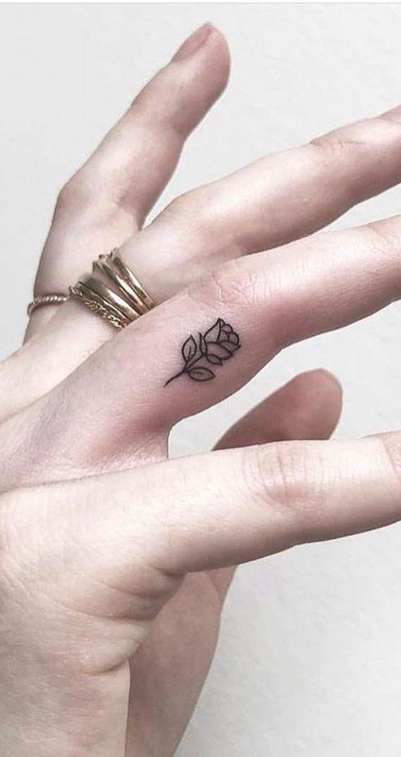 SMALL ROSE TATTOO IDEAS ON FINGER