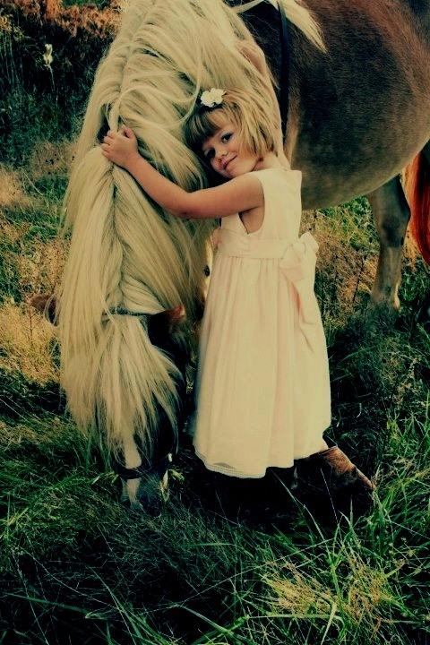 kijk hoe mooi is het om zoveel liefde aan je paard te geven