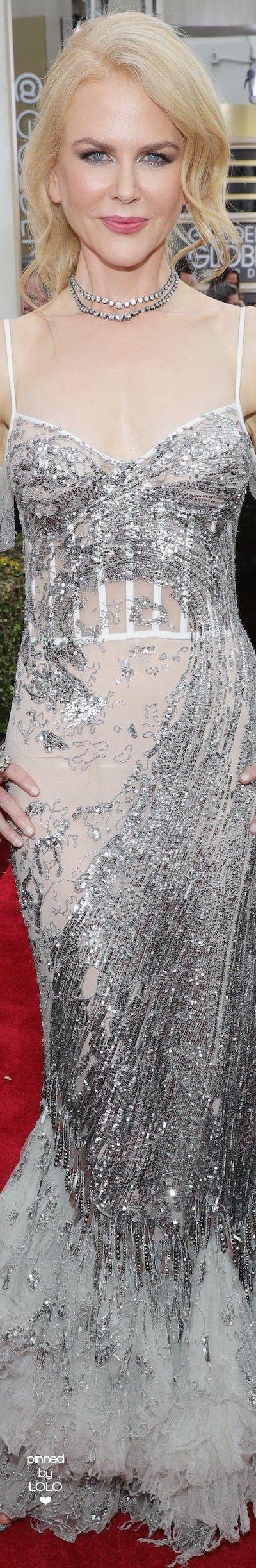 Nicole Kidman in Alexander McQueen 2017 Golden Globes