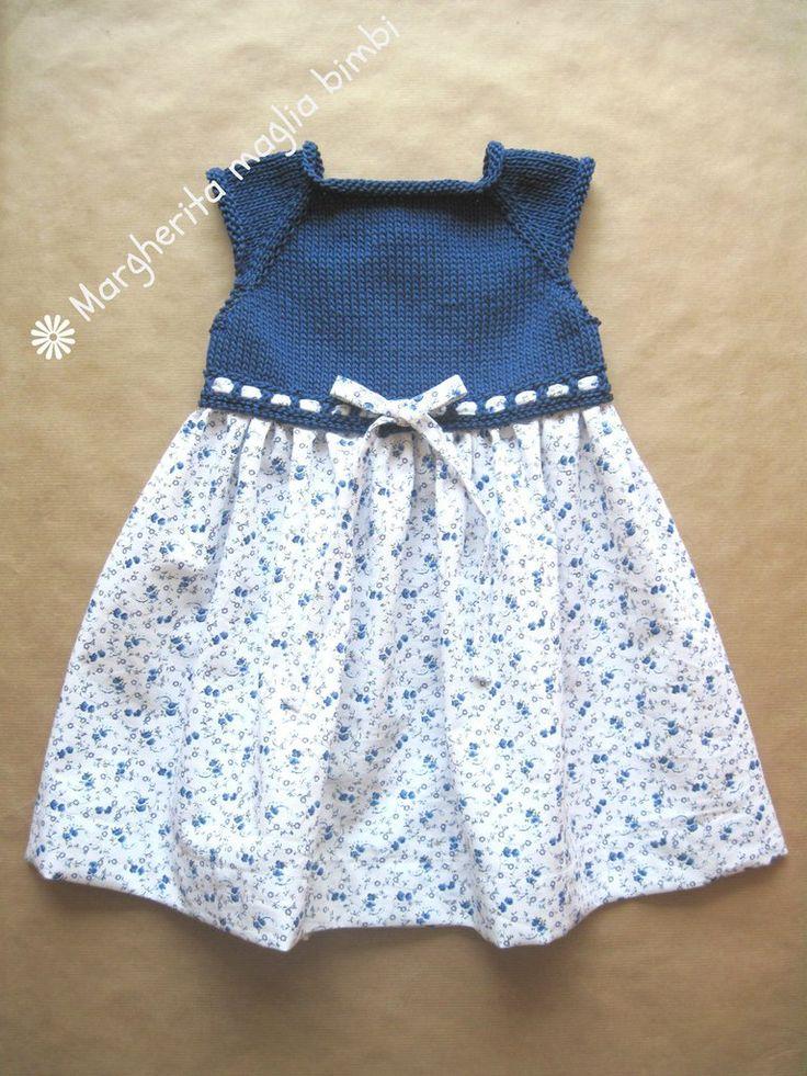 Abito bambina in cotone blu con corpetto a maglia e tessuto piquet a fiori