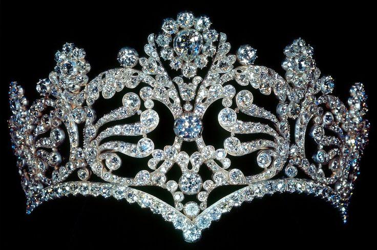 The French Crown Jewels - Coronation diadem of Empress Joséphine, set with 1,040 diamonds.