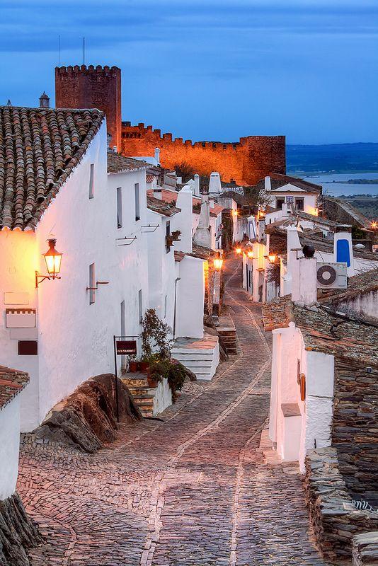 Ruas de Monsaraz, Alentejo, Portugal