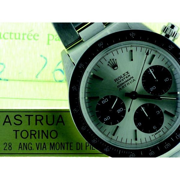 C) Nelle aste di tutto il mondo sono presenti orologi Vacheron Costantin, Patek Philippe, Jaeger Le Coultre, Rolex, ed altri prestigiosi, recanti il nome del famoso orologiere.La fama del laboratorio, non fu dovuta dal richiamo della Marca o da strategie di marketing.Il Sig. Astrua conquistò i suoi clienti con il buon funzionamento degli orologi da lui stesso consigliati per l'acquisto.