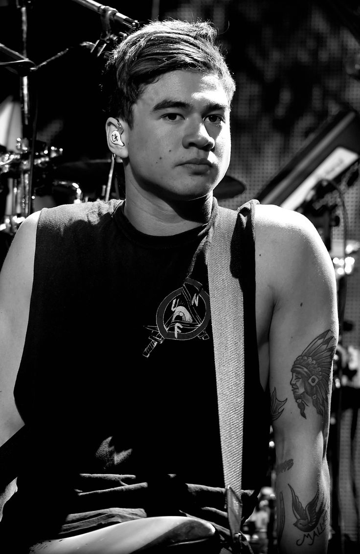 Calum Hood Black And White | www.pixshark.com - Images ...