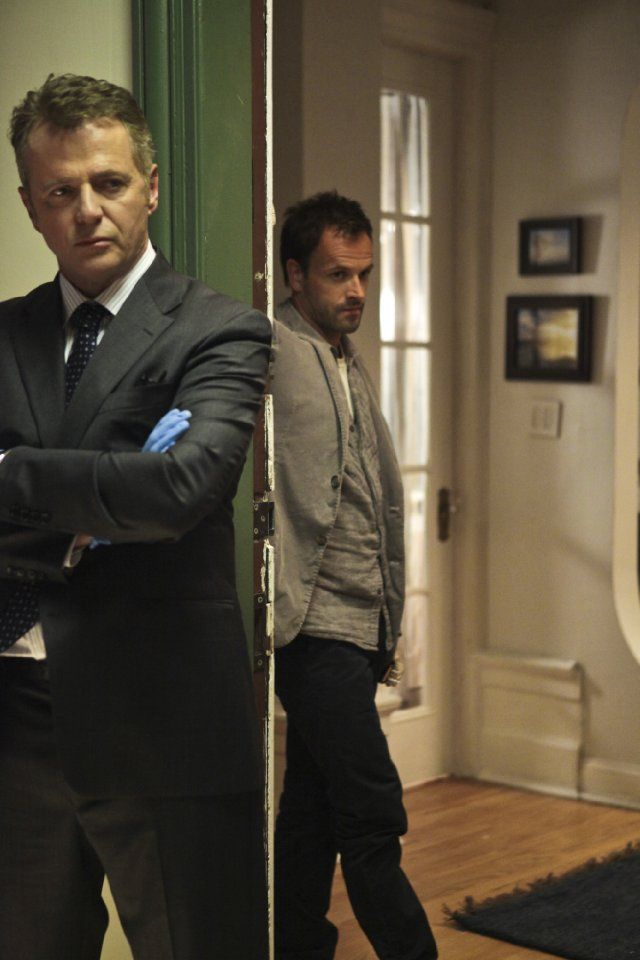 Still of Jonny Lee Miller and Aidan Quinn in Elementary