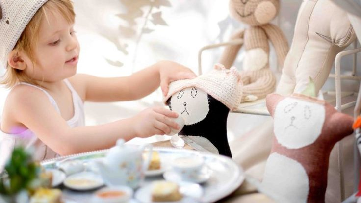 Lia Turns Two: A Secret Teddy Bear's Picnic