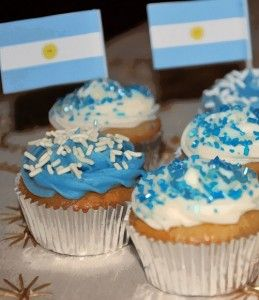 Easy Argentina Cupcakes!
